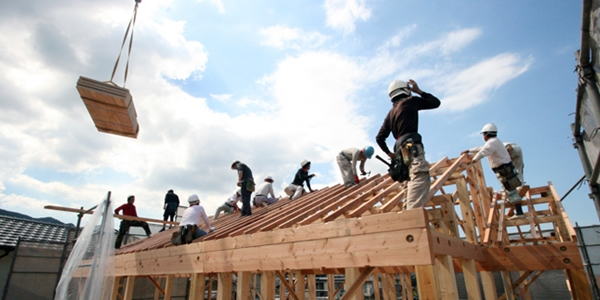 屋根作業風景